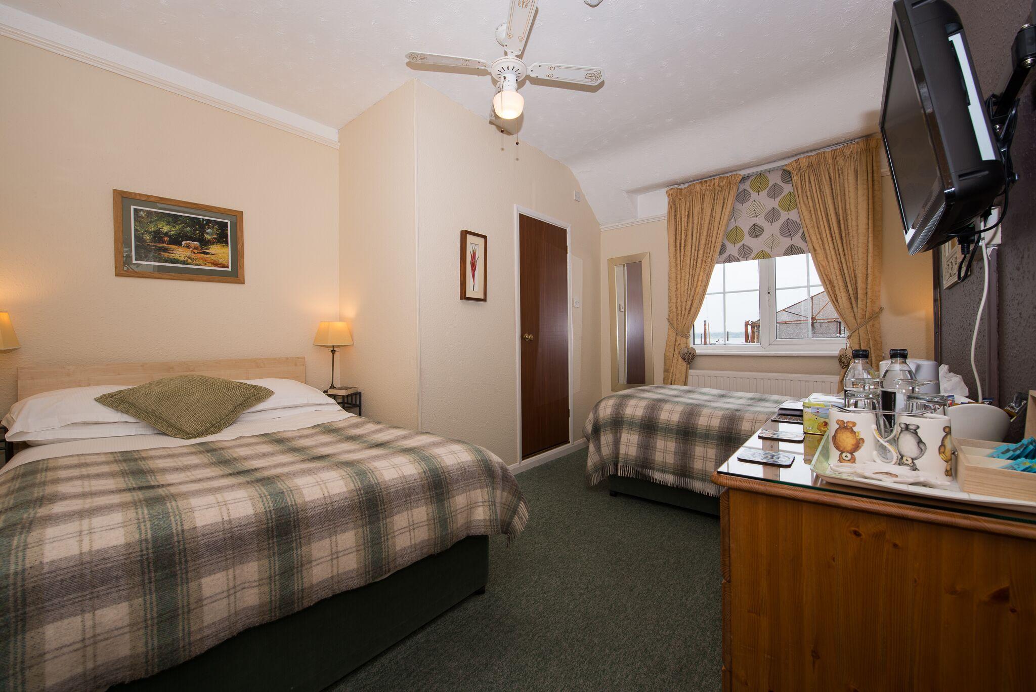 En Suite Rooms: Room 6 Family En-suite Room (Double Bed, Single Bed